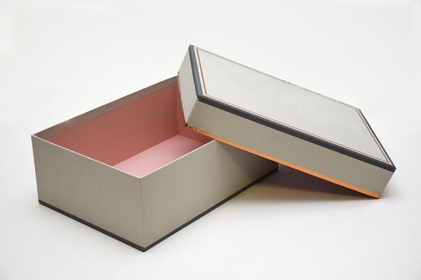 Scatola per Calzature bicolore interno rivestito in rosa, 40x30x11